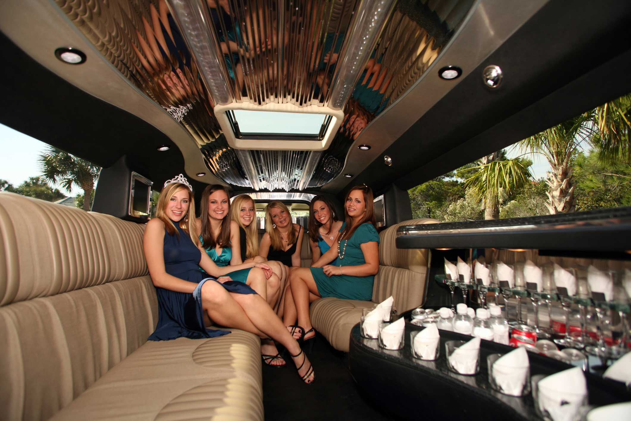 Prom limousine service, providing limo transportation for many special occasions
